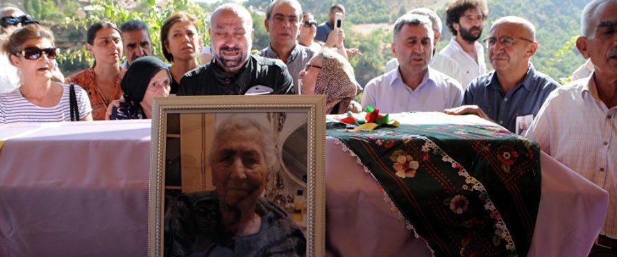 Aysel Tuğluk annesi cenazesi